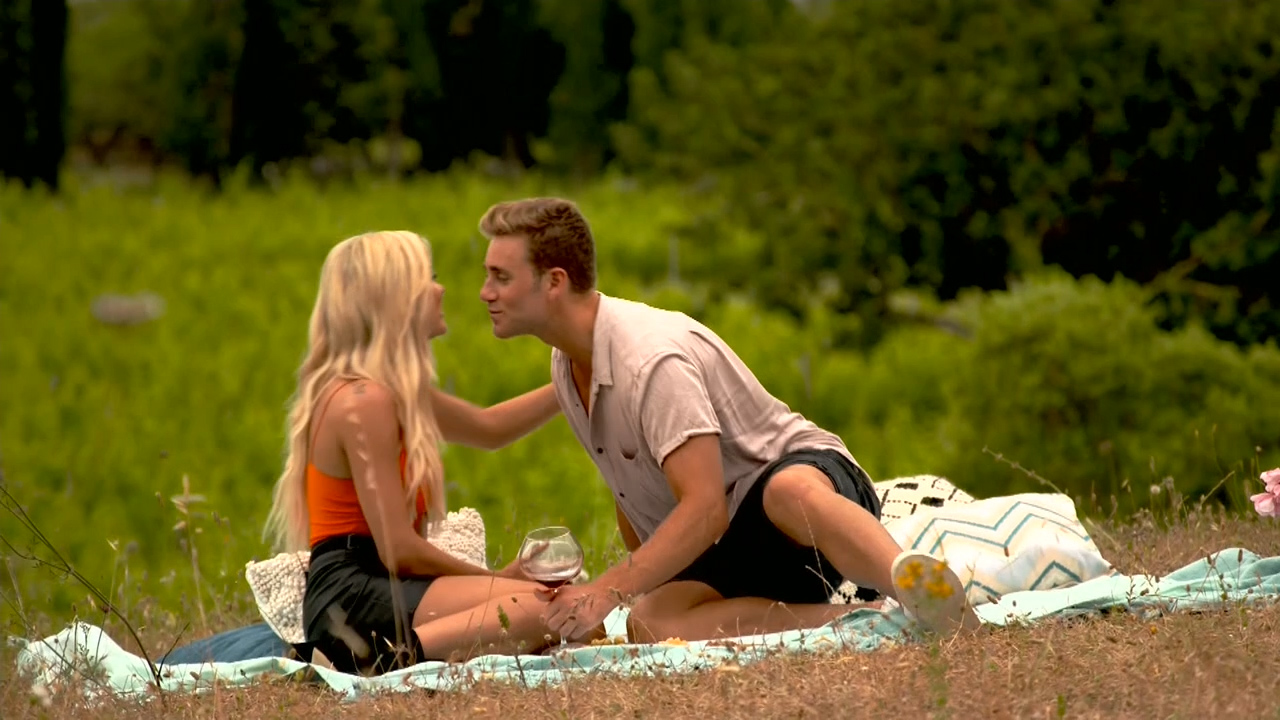 Josh tries to impress Kim on a picnic date