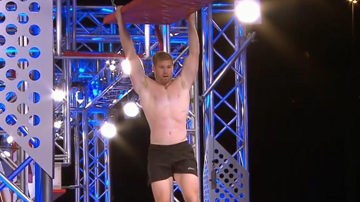 Ep10 – Ryan Solomon's standout effort in Stage 2 – Australian Ninja Warrior 2019