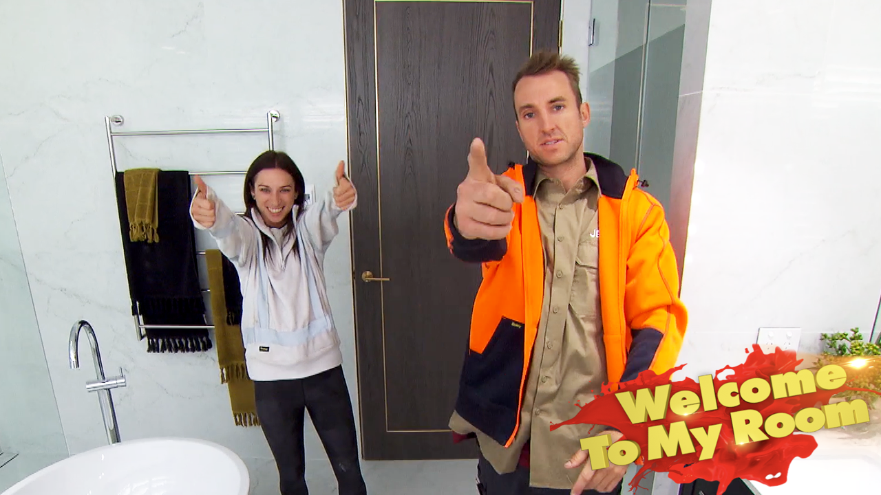 Jesse and Mel are obsessed with their 'luxurious' bathroom