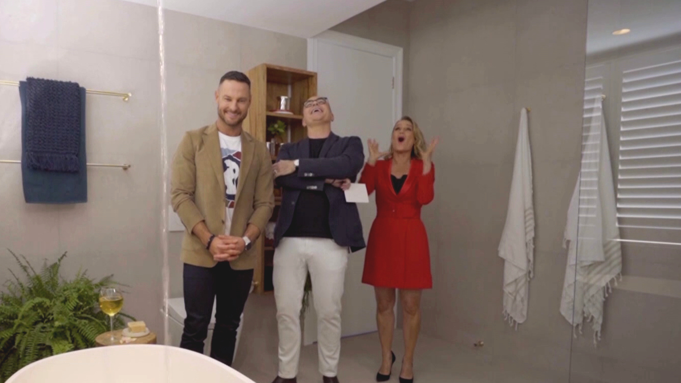 Shaynna loses her mind over hidden feature in Andy and Deb's bathroom