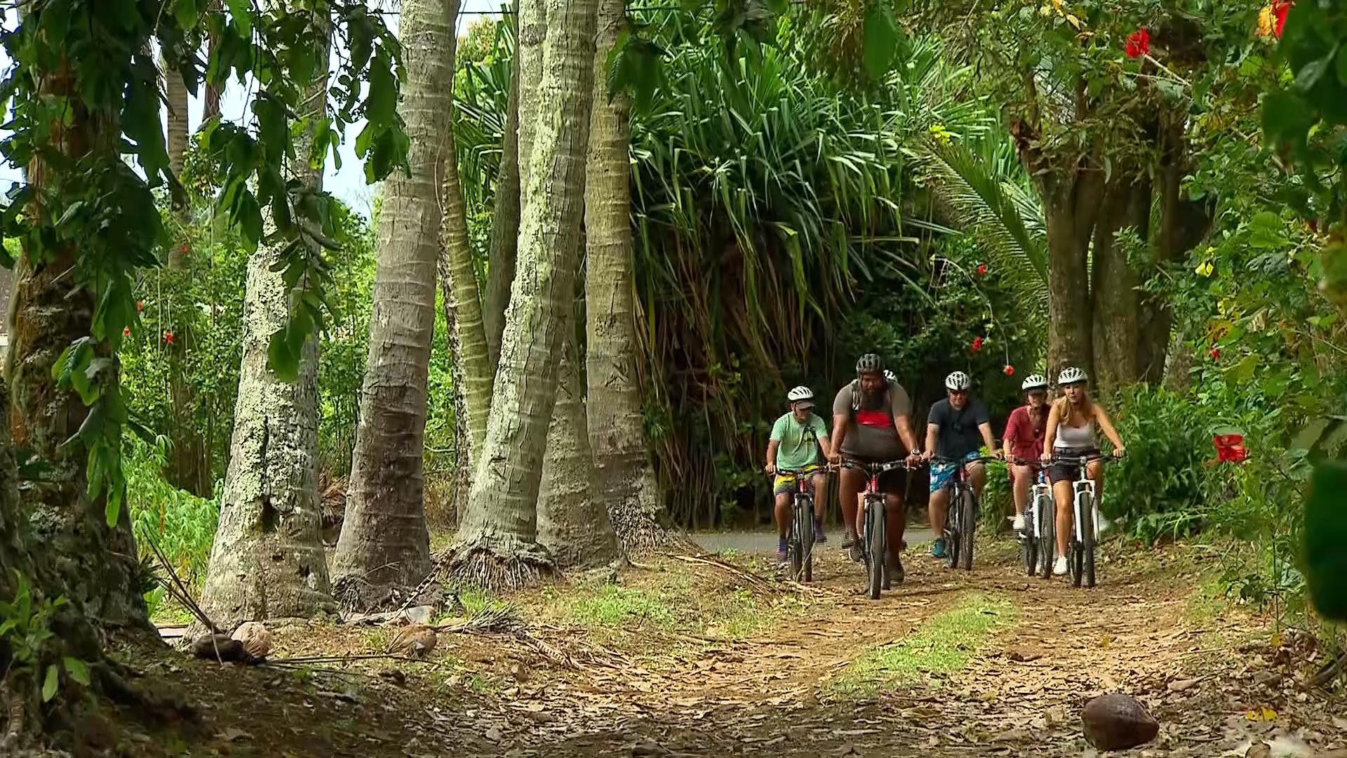 Rarotonga Cycle Tour