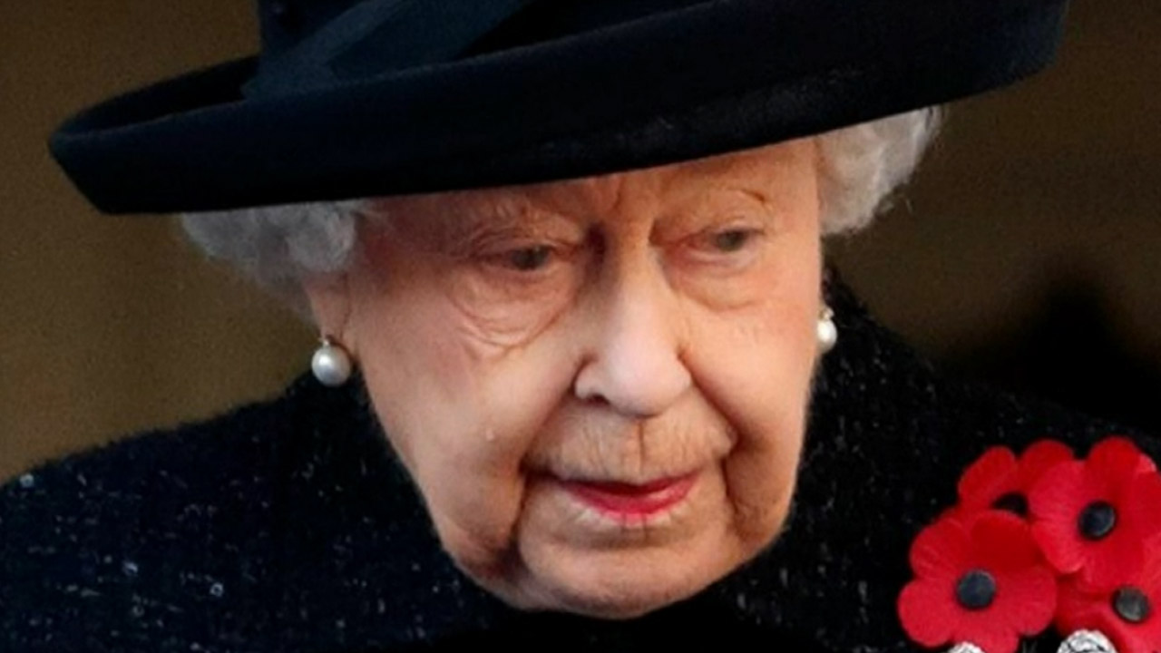 Why the Queen was seen crying