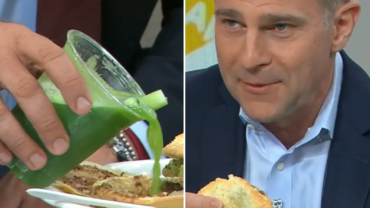 Karl Stefanovic creates 'vegan pie' for David Campbell