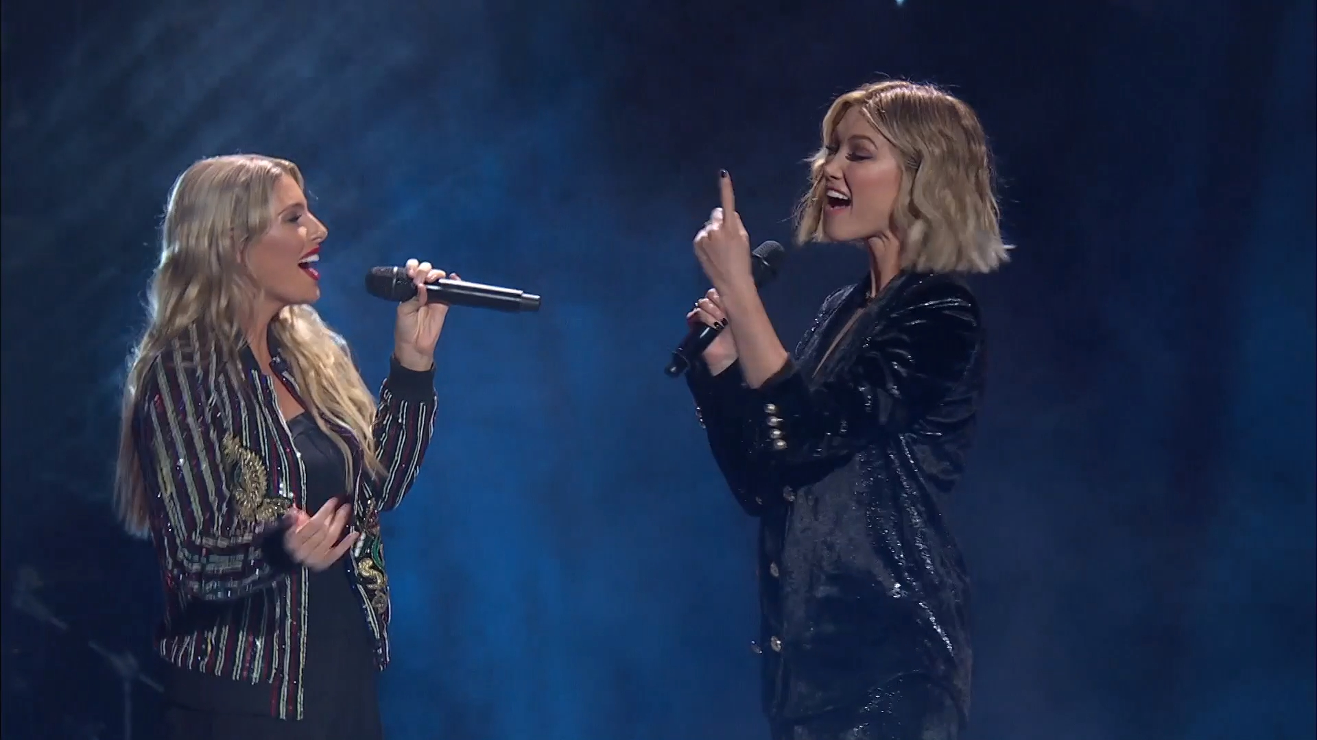 Fan gets to sing on stage with Delta Goodrem
