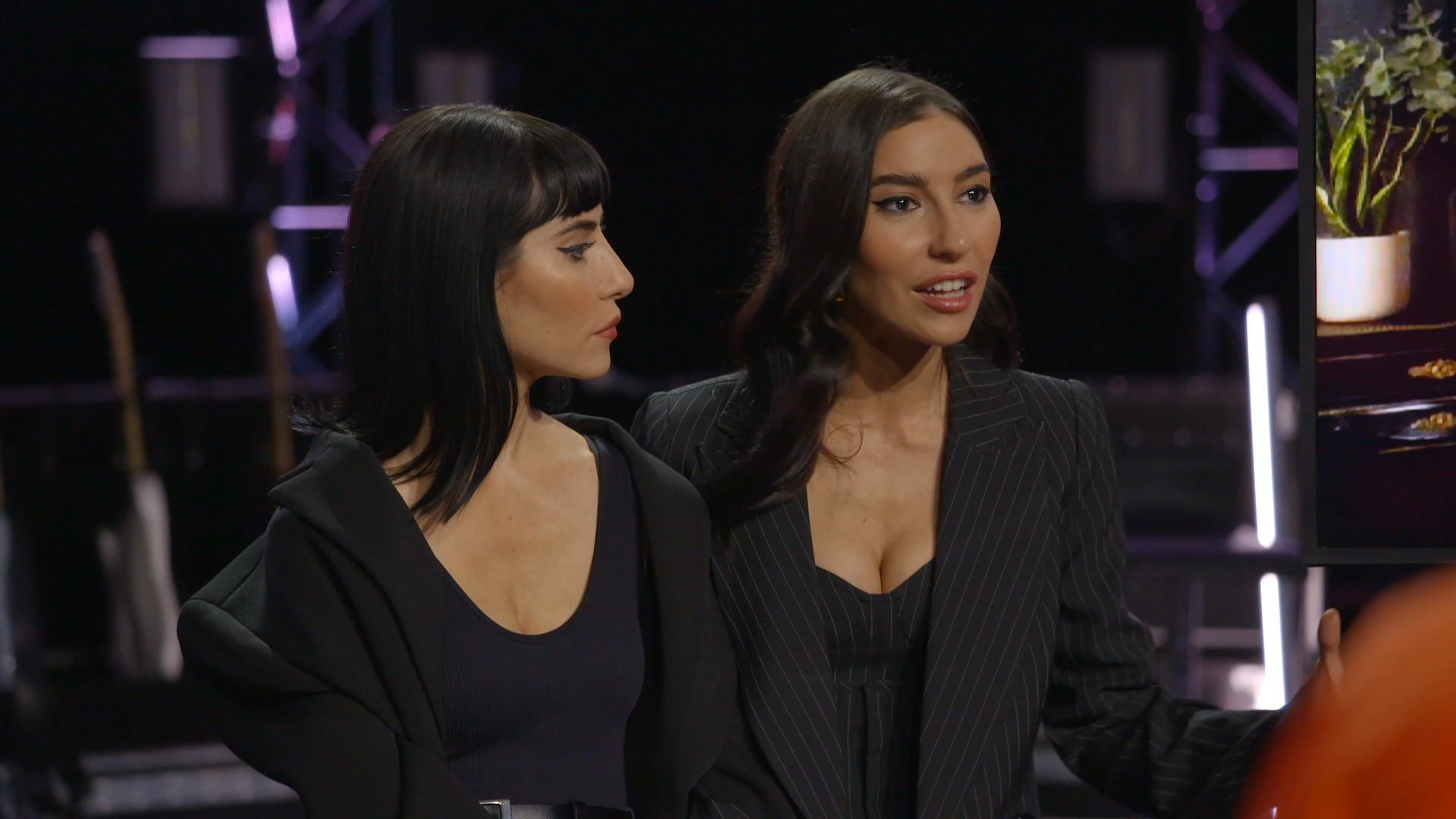 Extended Mentoring: The Veronicas give Virginia a pep talk in tearful mentoring session