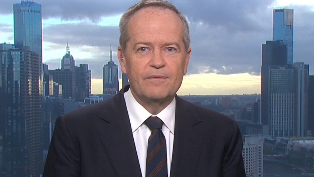 Bill Shorten backs new Qantas rule forbidding unvaccinated travellers from flying