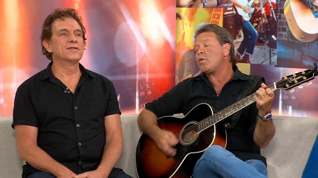 Troy Cassar-Daley and Ian Moss serenade Today team