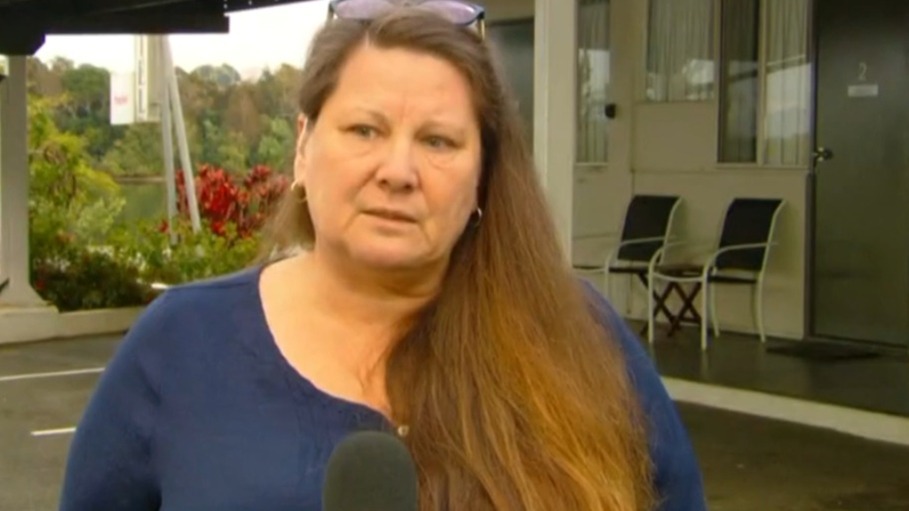 Queensland cancer patient 'stranded' in NSW border town