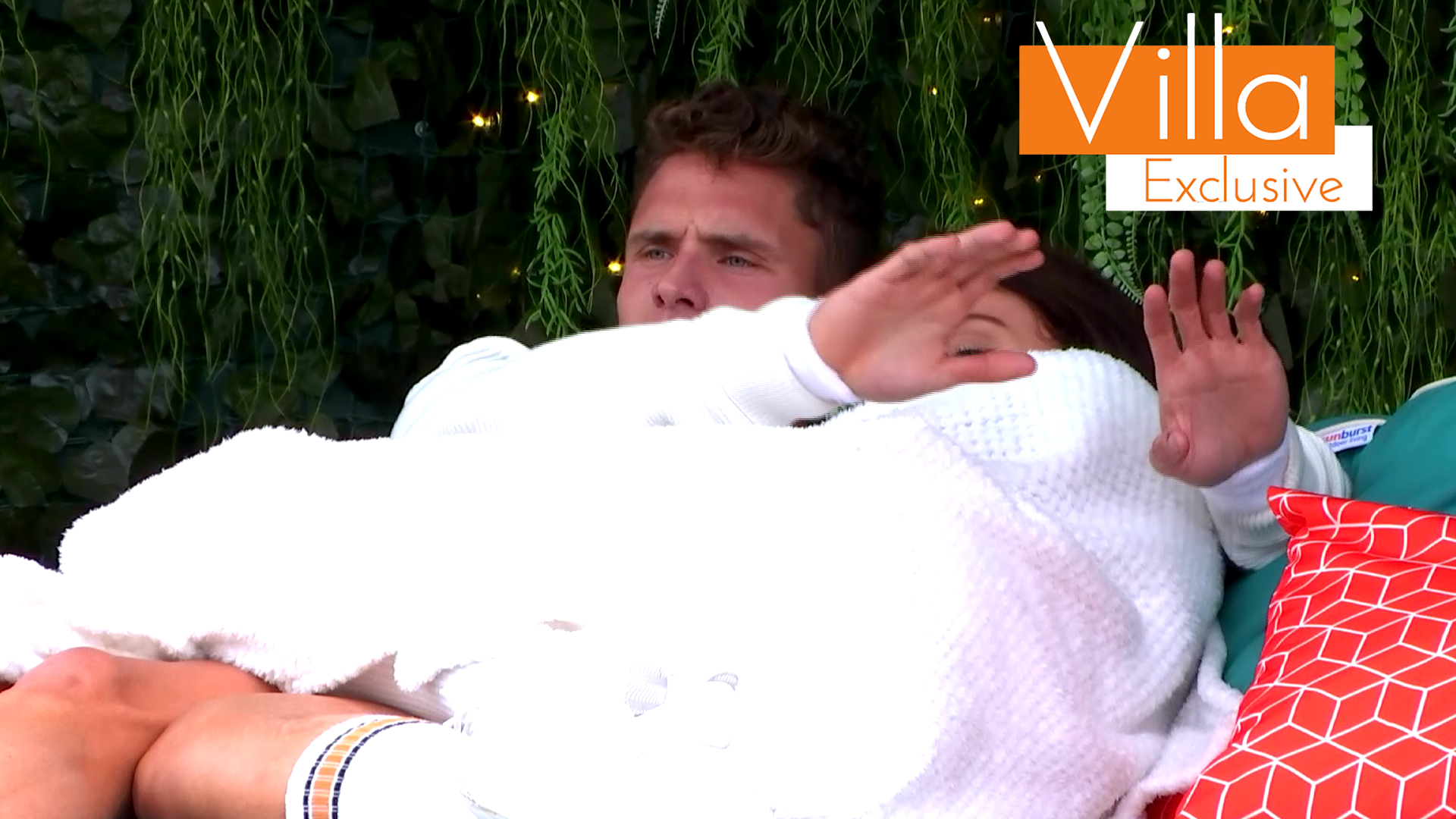 Exclusive: Rachael and Chris are 'attacked' during a romantic moment