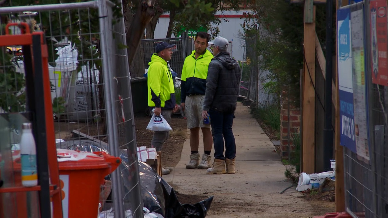 Mitch and Mark are not happy tradies are rocking up at 7am