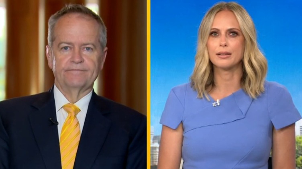 Shorten calls for unvaccinated players to be banned from Australian Open