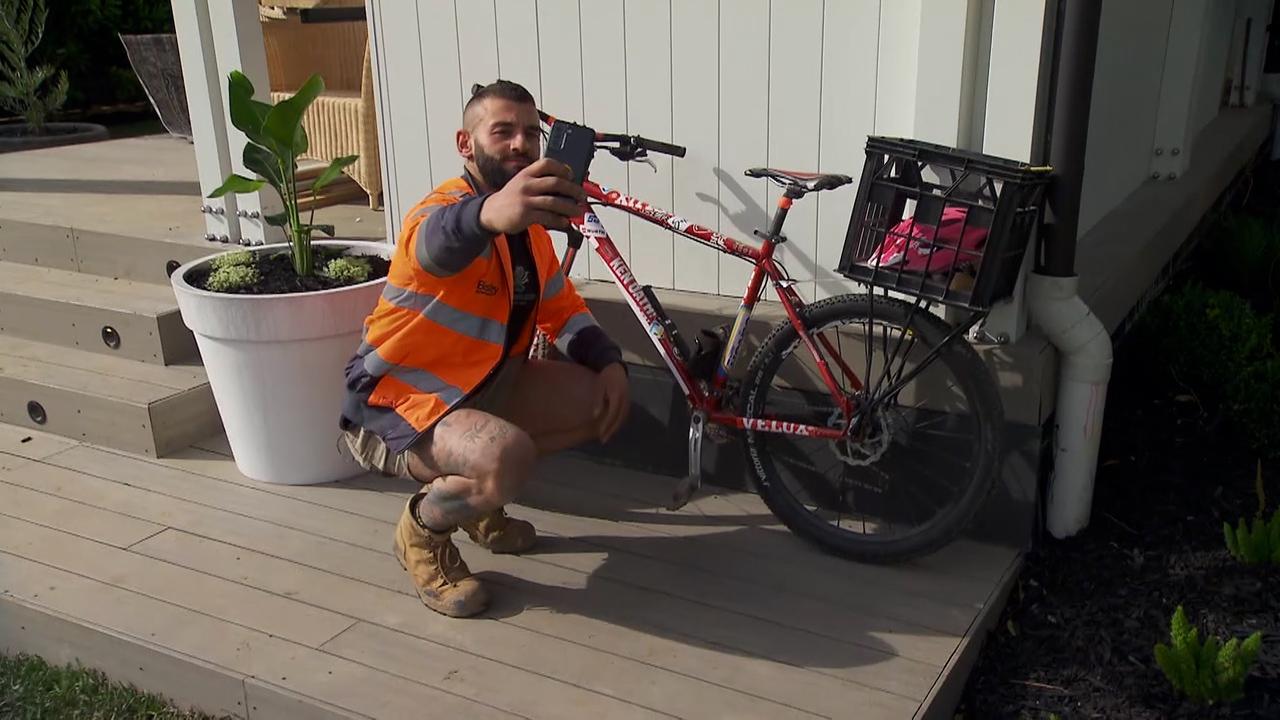 Paulie kidnaps Ronnie's bike in a cheeky prank
