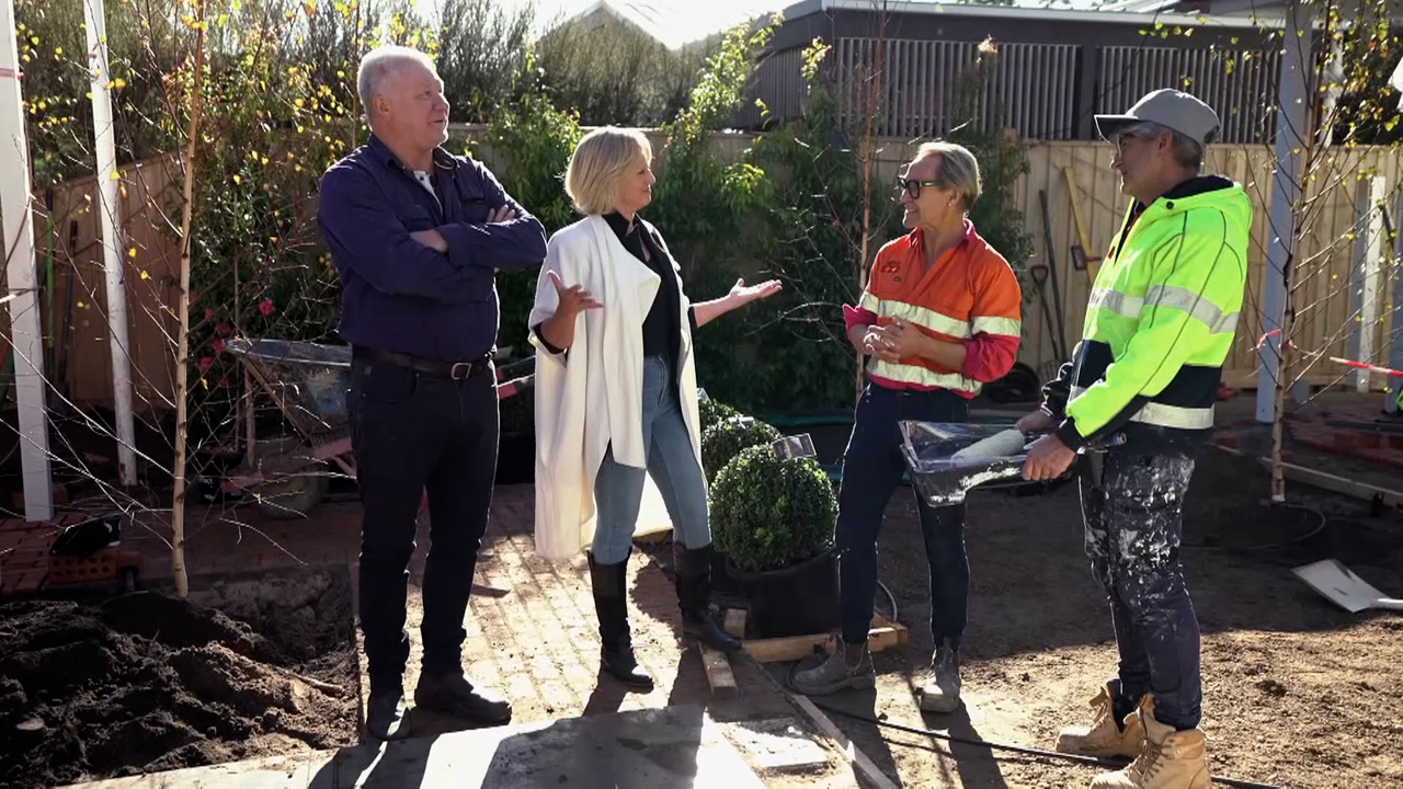 Shelley notices how different Mitch and Mark's home is compared to the Oslo